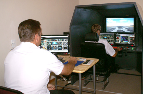 Pilot training at Eagle Flight Academy on flight simulators